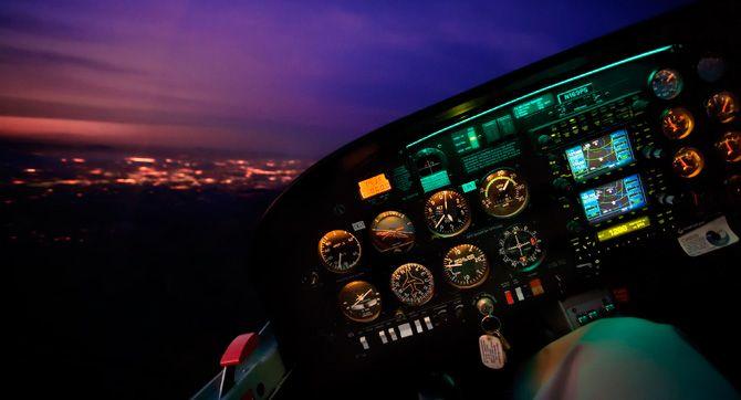 Loty NOCNE VFR samolotowe i szybowcowe